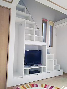 テレビ台になるロフト階段