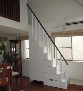 ルンバの基地があるロフト階段