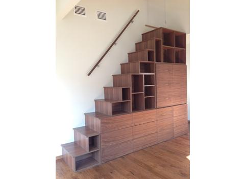 天然木突板を使ったロフト階段